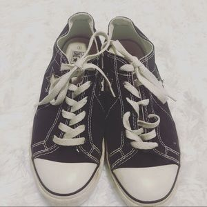 Shoes - Converse one star size 6 for women & size 4 formen